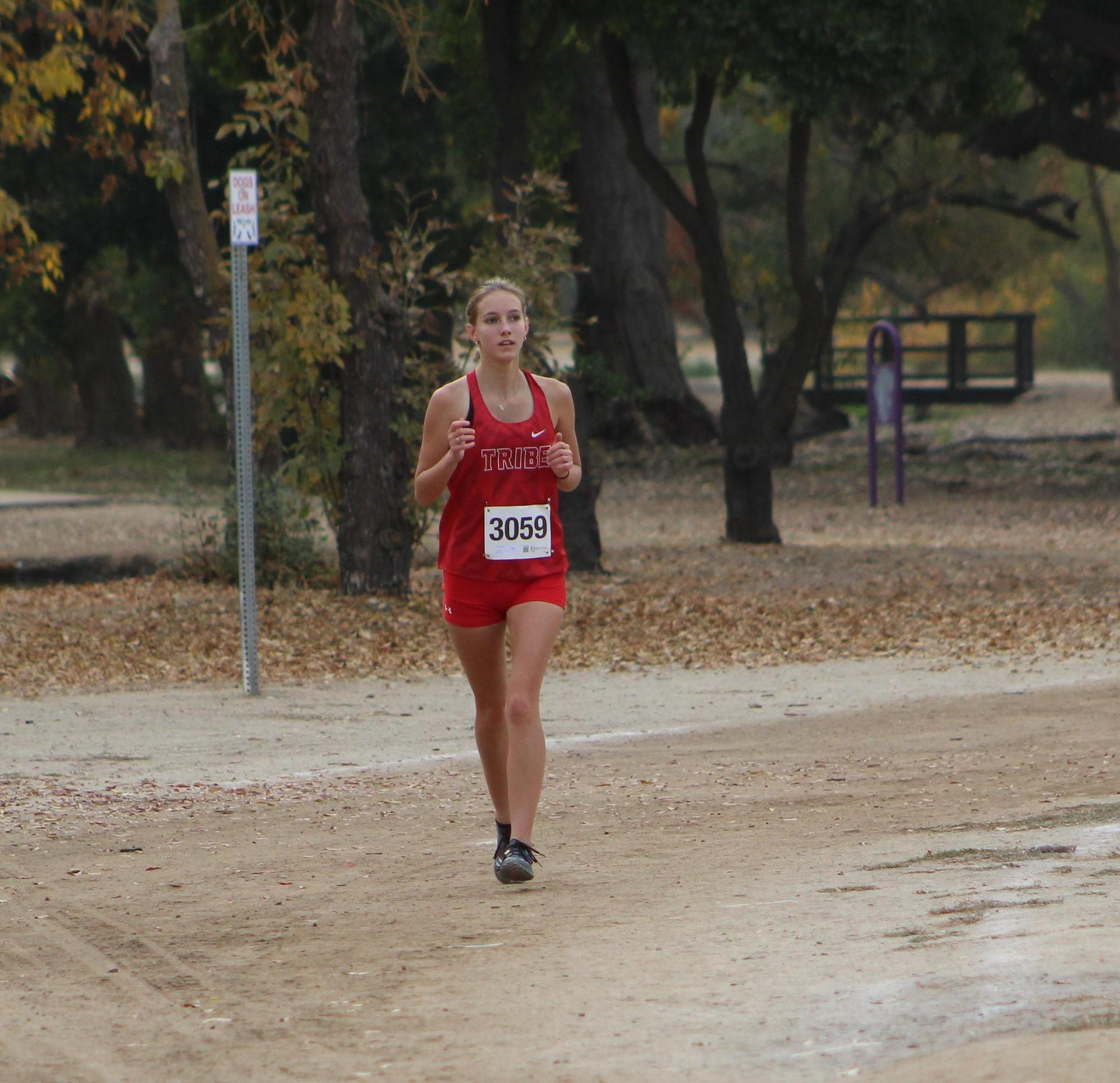 Holly Tennesen running