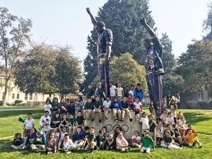 students visit college campus