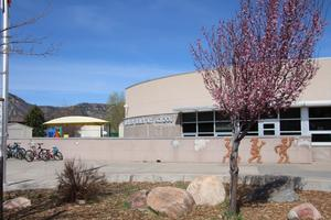 Front view of Riverview Elementary