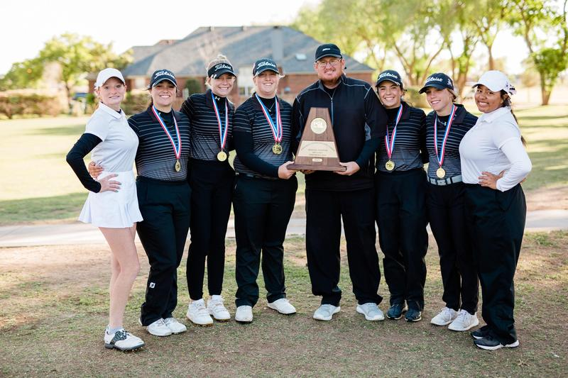 AHS Girls Golf headed to State. Photo By Tonya Peterson