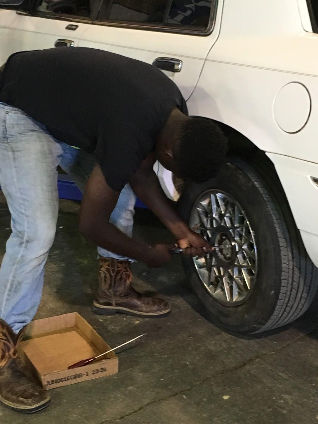tire checking