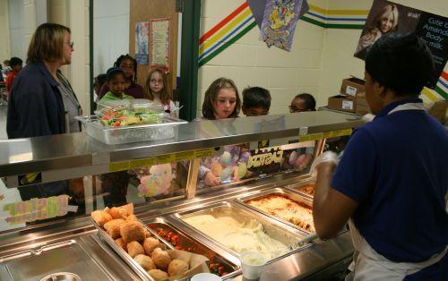 Cafeteria serving line 6