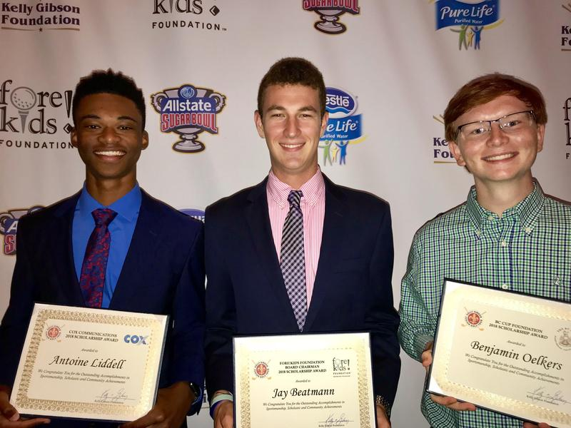 Tiger Golfers Receive Scholarships Featured Photo