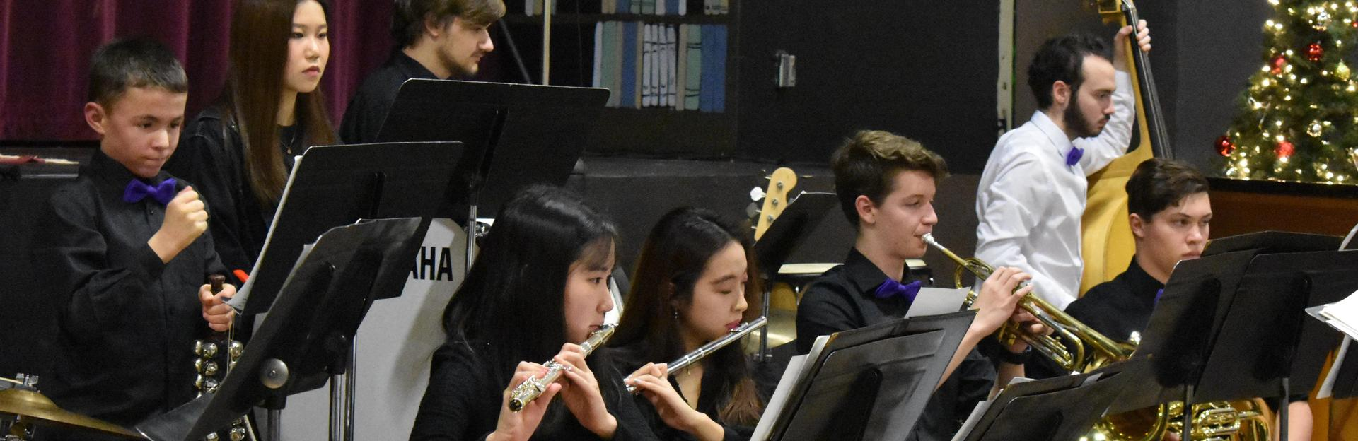 HS band performing at Christmas 2018 concert