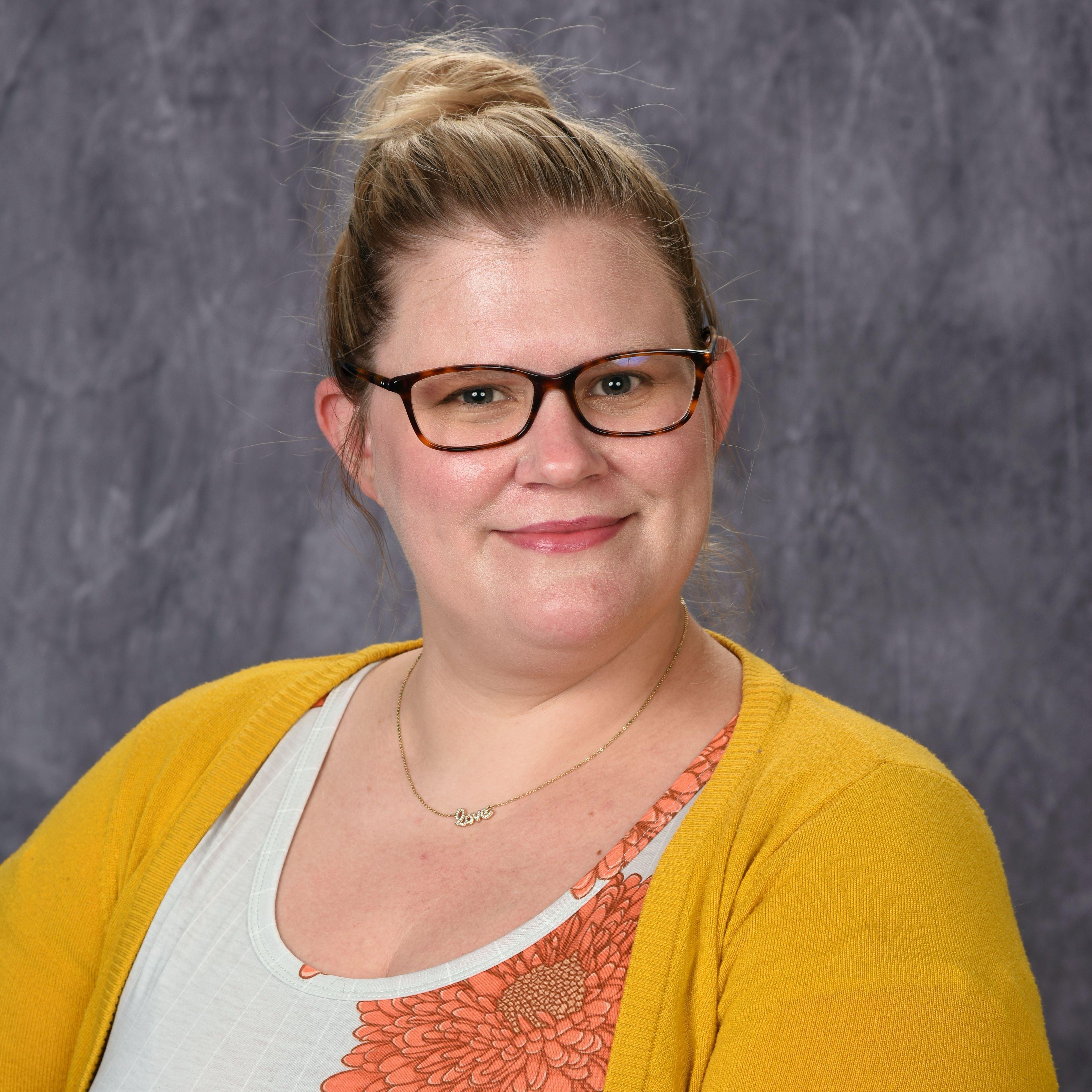 Hillary Cummings's Profile Photo