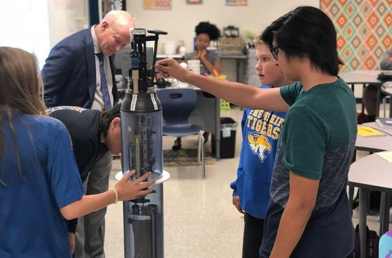 Oceanographer visits FHS Ninth Grade Center