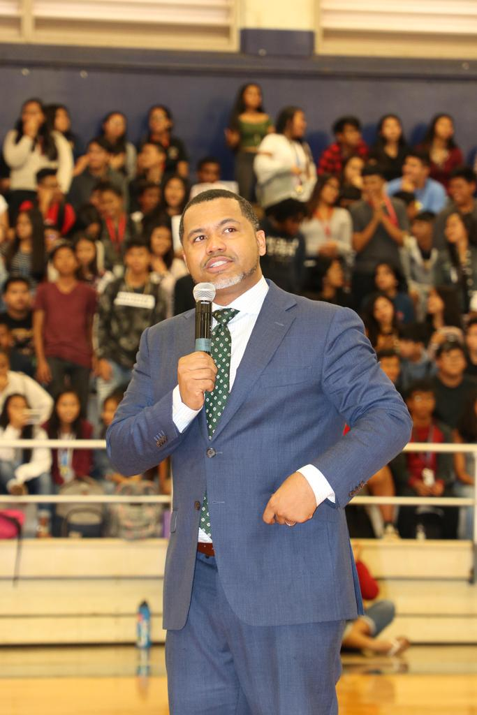 M. Scott speaks to student body4