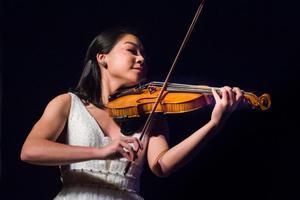Karissa violin