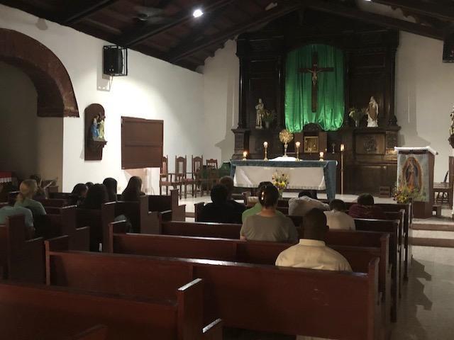 Celebrating mass in Banica