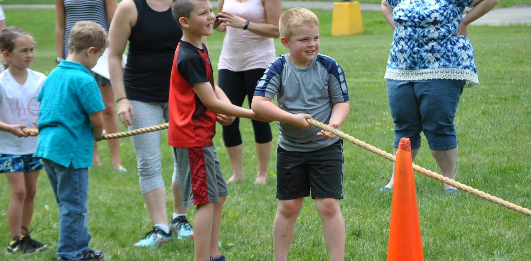 kids  playing tug-of-war