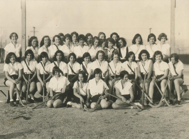 1931 Girl's Hockey Team