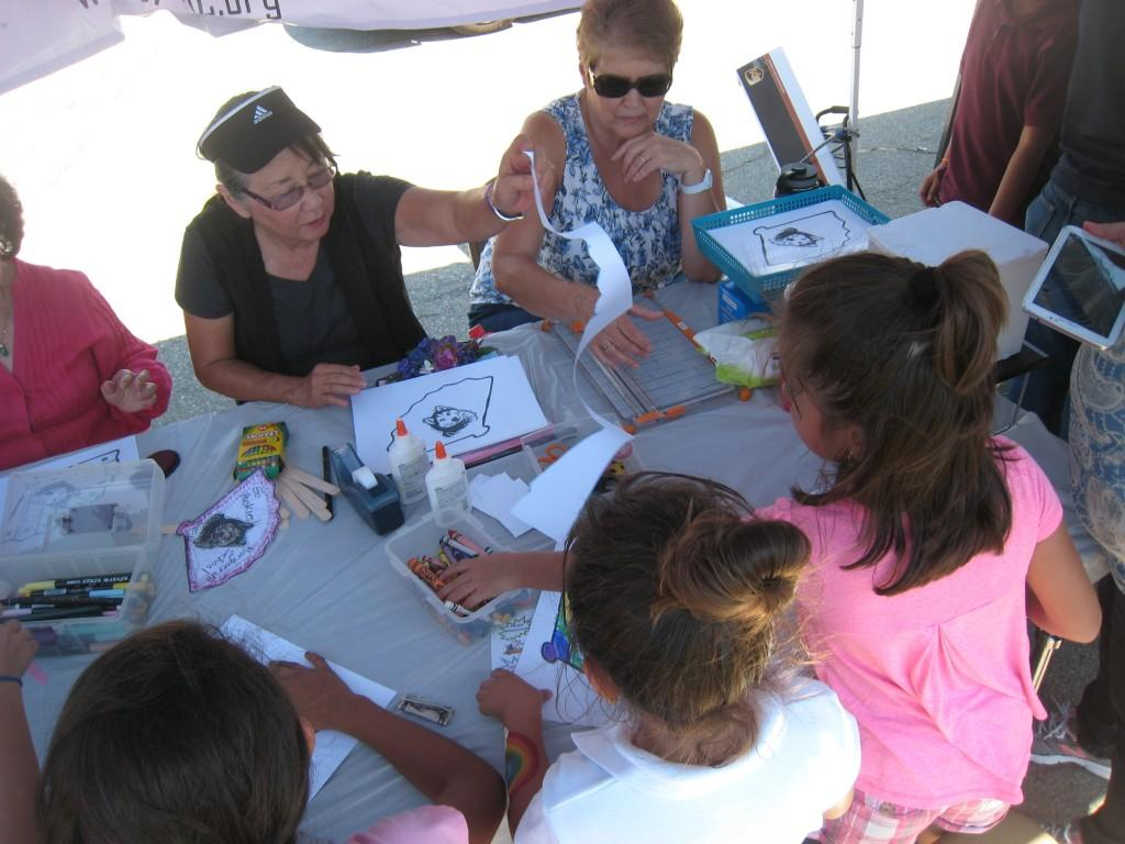Arts and Crafts during the PTA/ASB Community Building Picnic