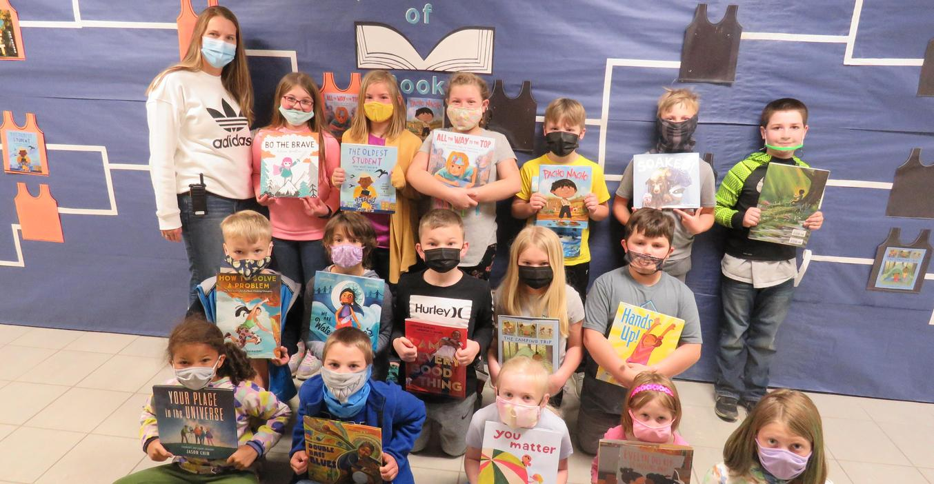 Lee students won some books after reading month.