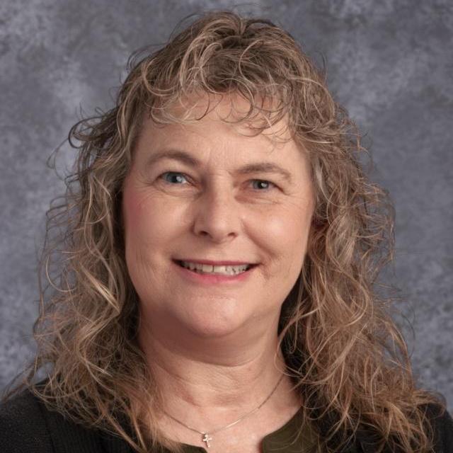 Lynda Pettitt's Profile Photo