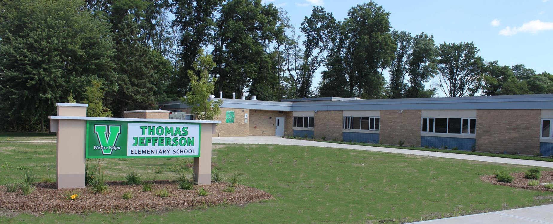 Thomas Jefferson Elementary front lawn.