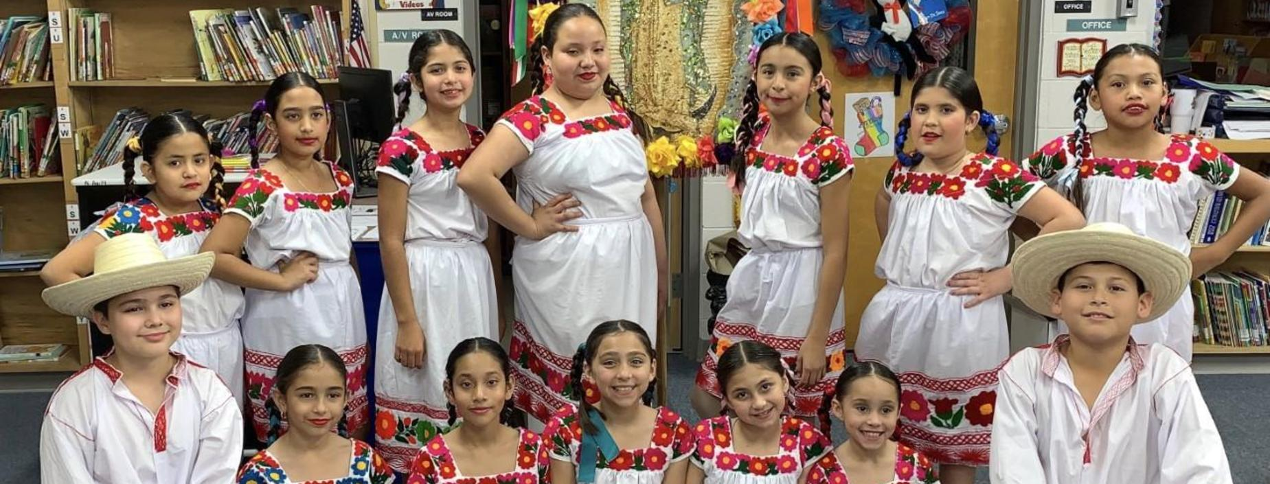 Image of Folklorico students.
