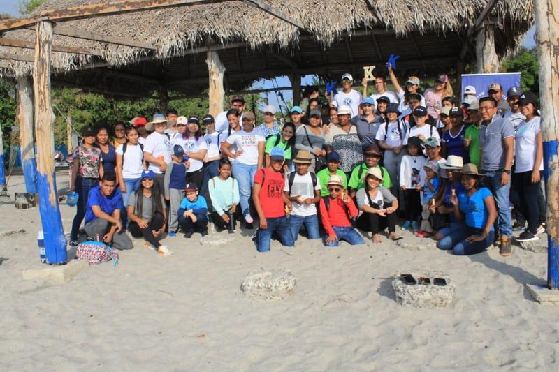 Estudiantes de la Sede Penonomé realizaron limpieza de la Playa Farallón Featured Photo