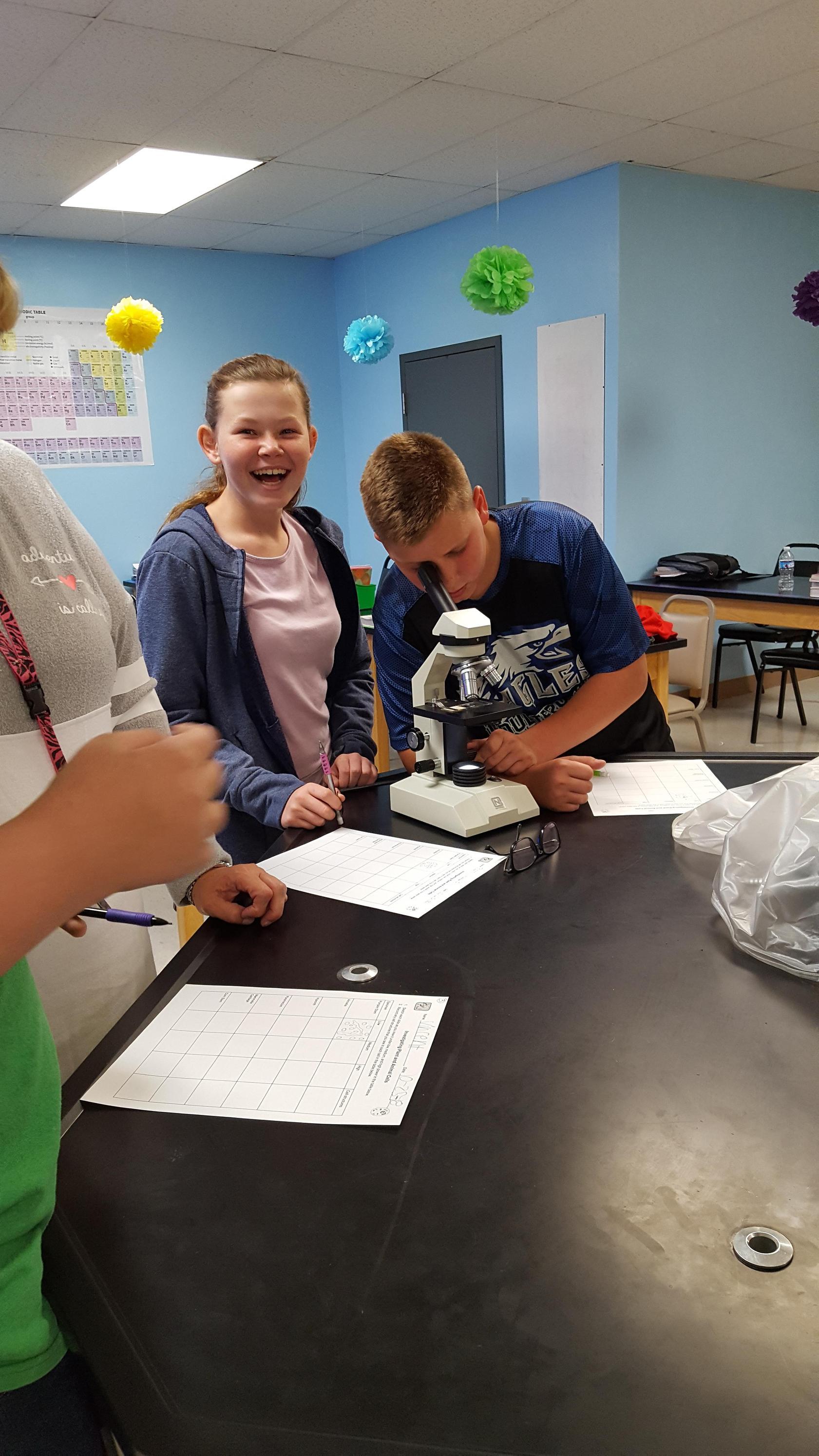 7th Graders Investigating Cells