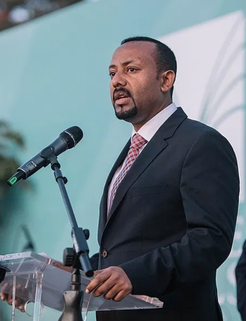 Abiy Ahmed speaks to a crowd