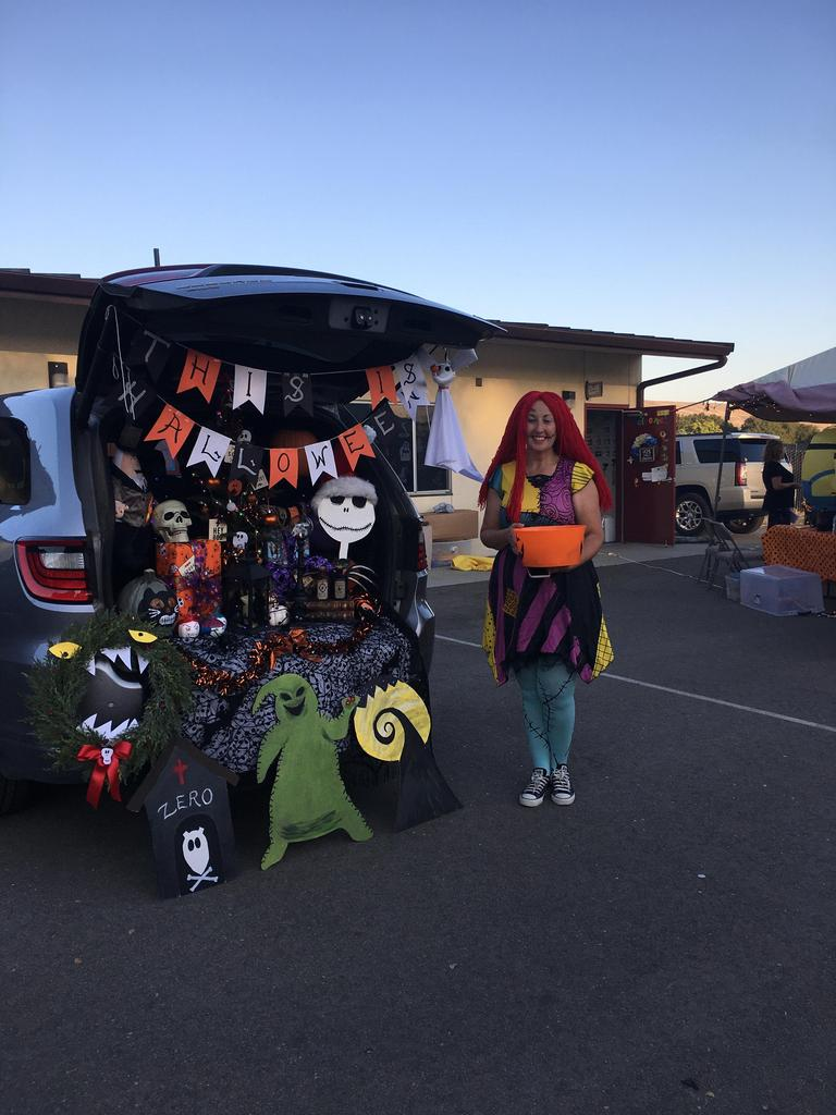 trunk decorated for halloween