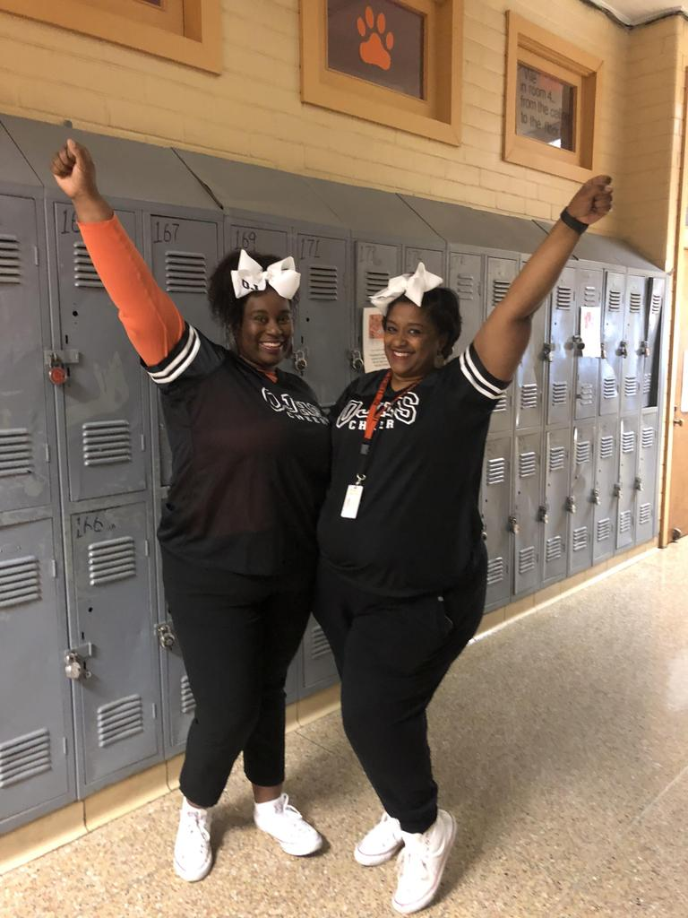twin day cheer