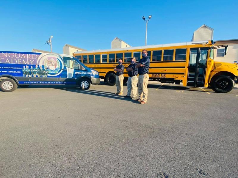 Vanguard Academy celebrates School Bus Safety Week/ Vanguard Academy celebra la Semana de la seguridad en los autobuses escolares Featured Photo