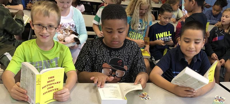 Rock Island Elks Club Donates Dictionaries to Students Featured Photo