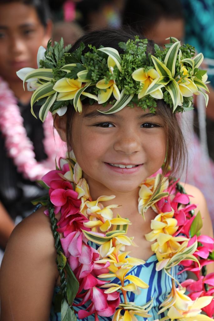 girl with lei