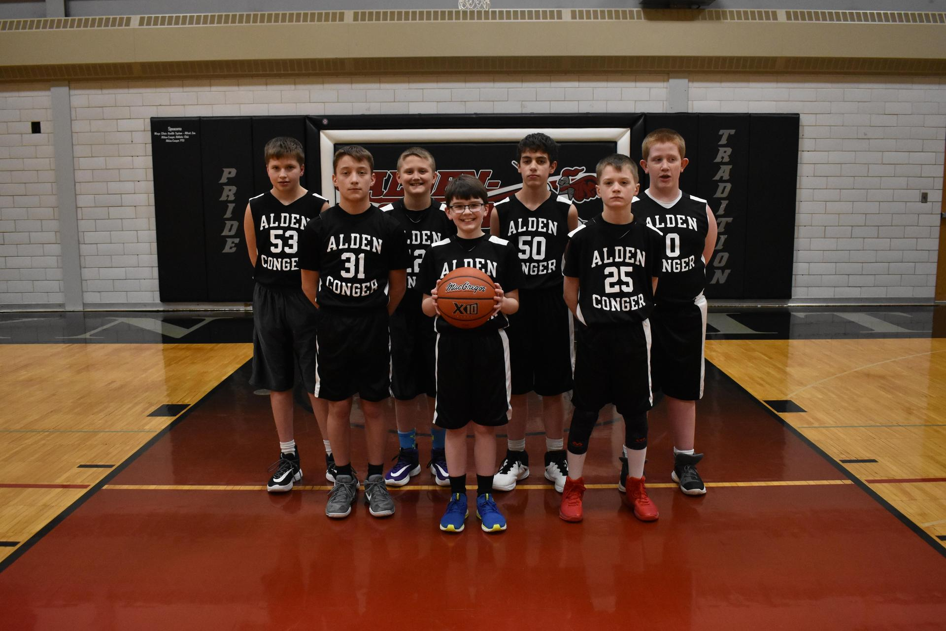 5th Grade Boys Basketball Team Photo