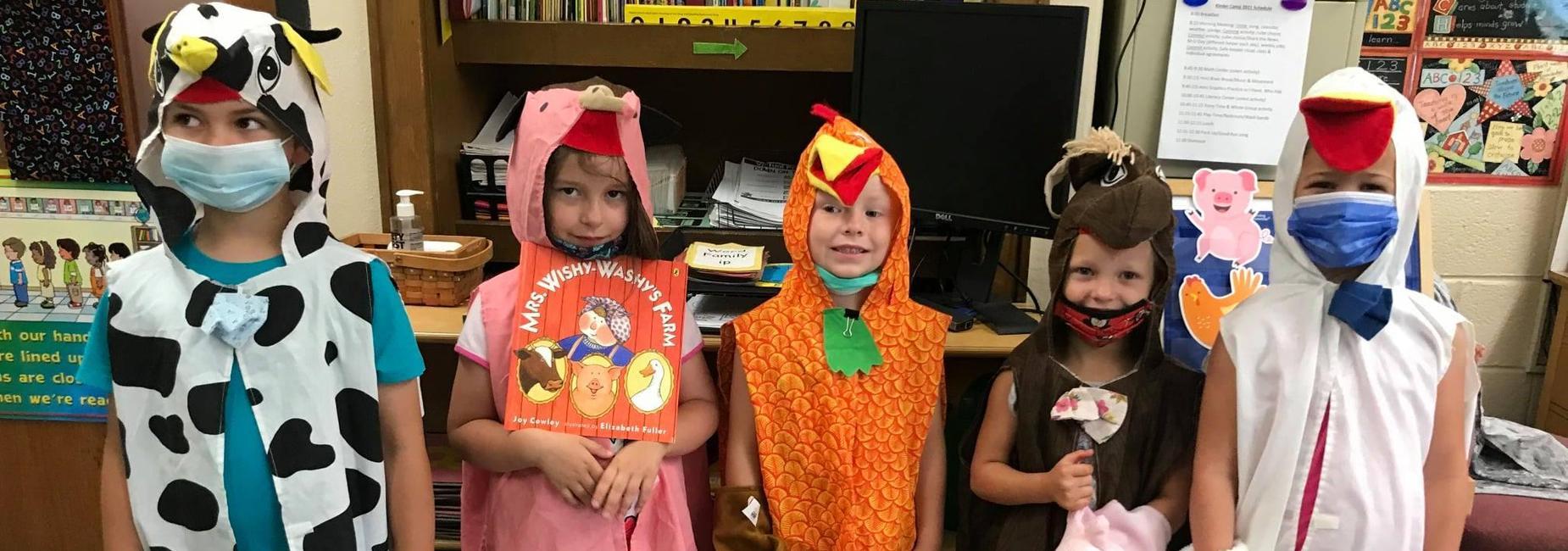 Sugar Grove Elementary Students dressed as farm animals.