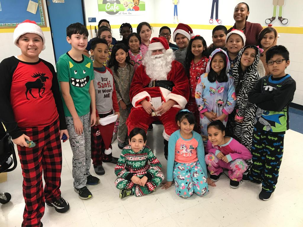 3d grade class with santa