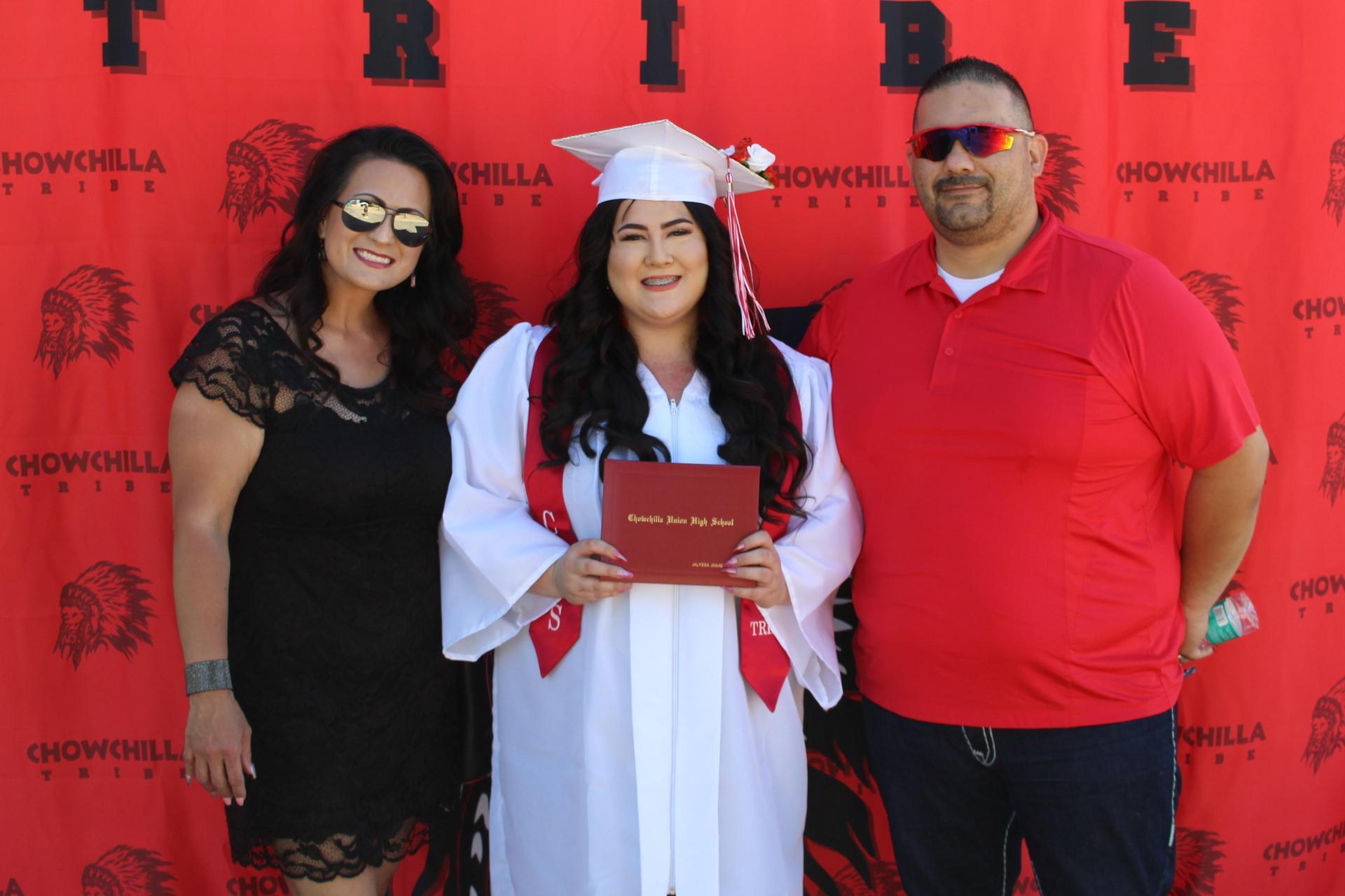 Jalyssa Escoto and family