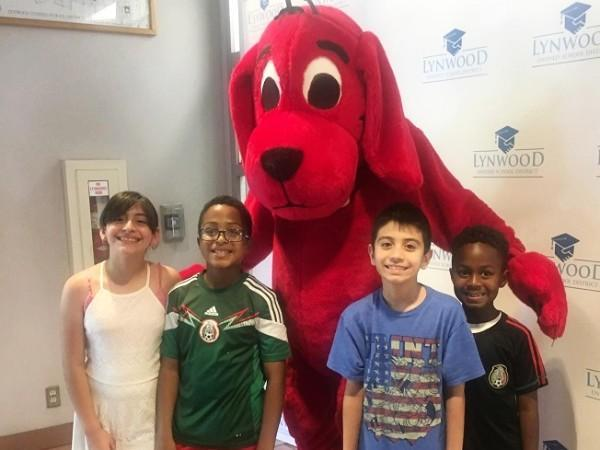 Lynwood Students Indulge in Love of Reading at District Literacy Event Featured Photo