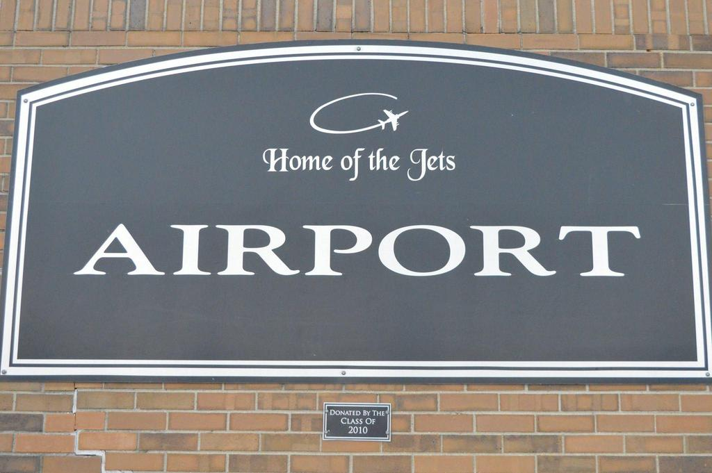 Welcome to Airport Sign