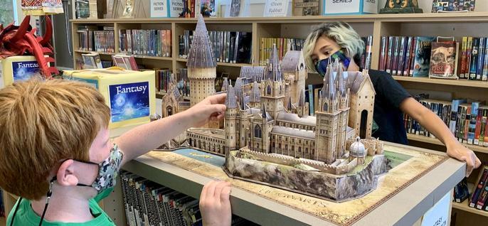 Library model of Hogwarts