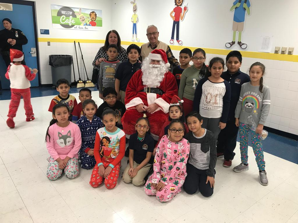 4th grade class with santa