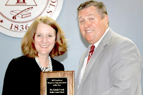 Cash receives TOSS superintendent award