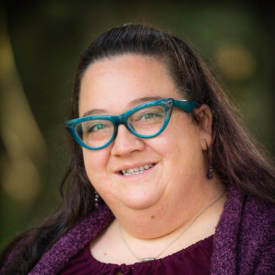 Angie Hloucha's Profile Photo