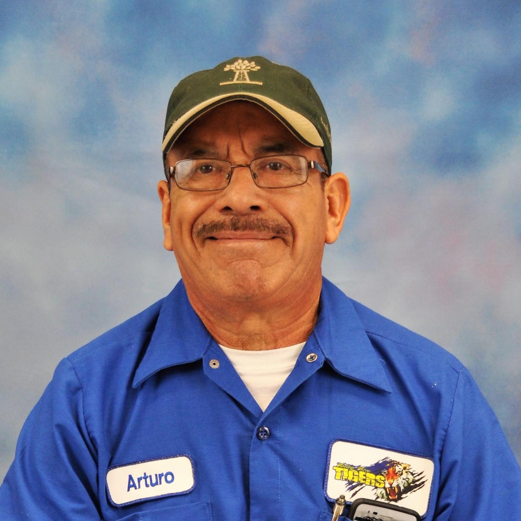 Arturo Lozano's Profile Photo