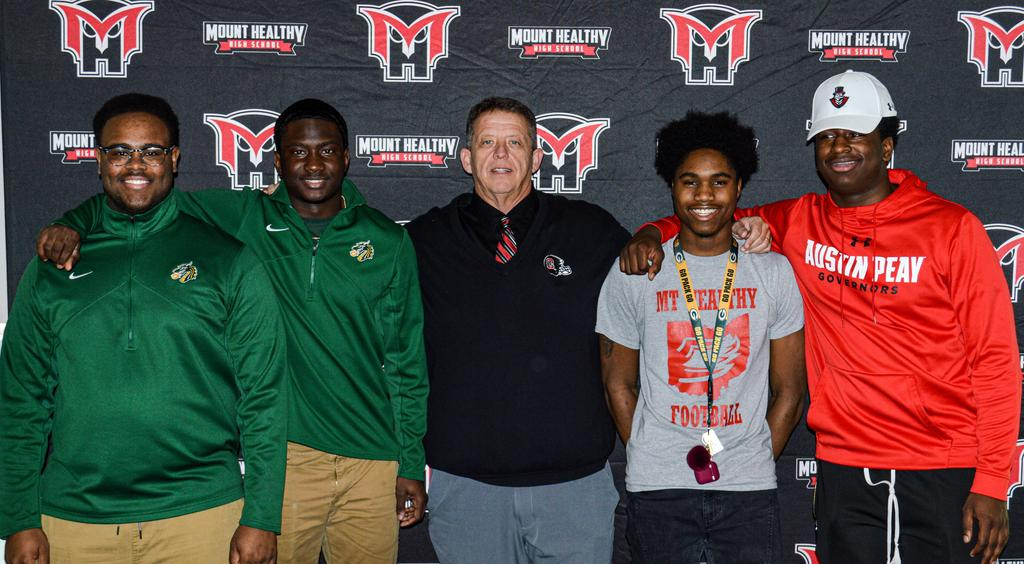 High School Seniors sign to play at the Collegiate Level