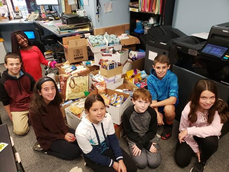 WMS Students Food Drive