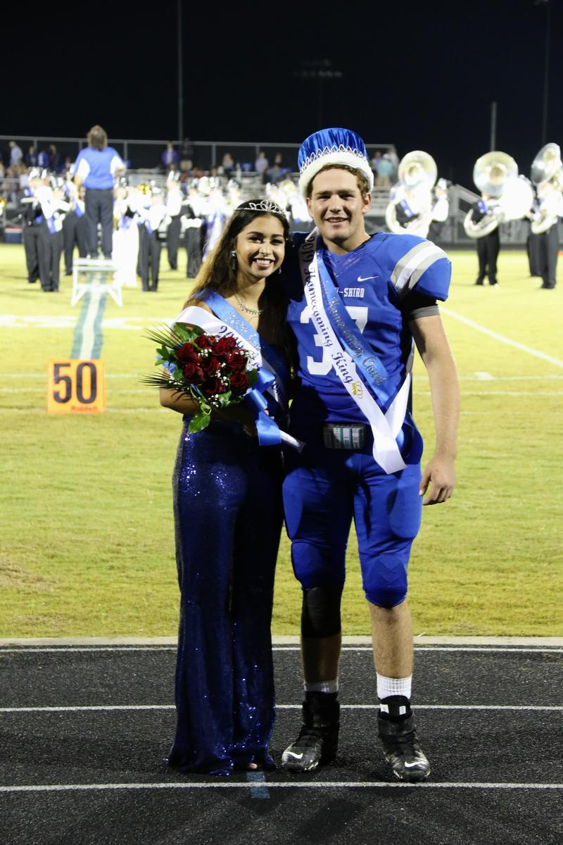 Homecoming Royalty Featured Photo