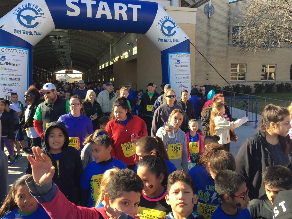 Runners ready to race!