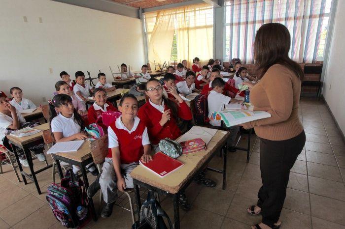 Nuevo modelo, con déficit de maestros bilingües Featured Photo