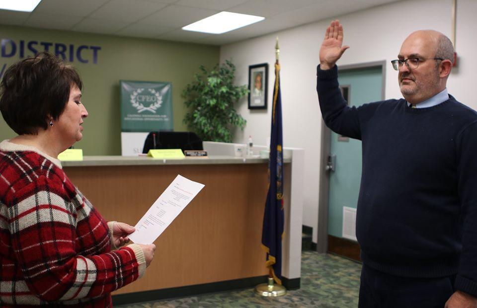 Trustee Travis Manning sworn in for second term.