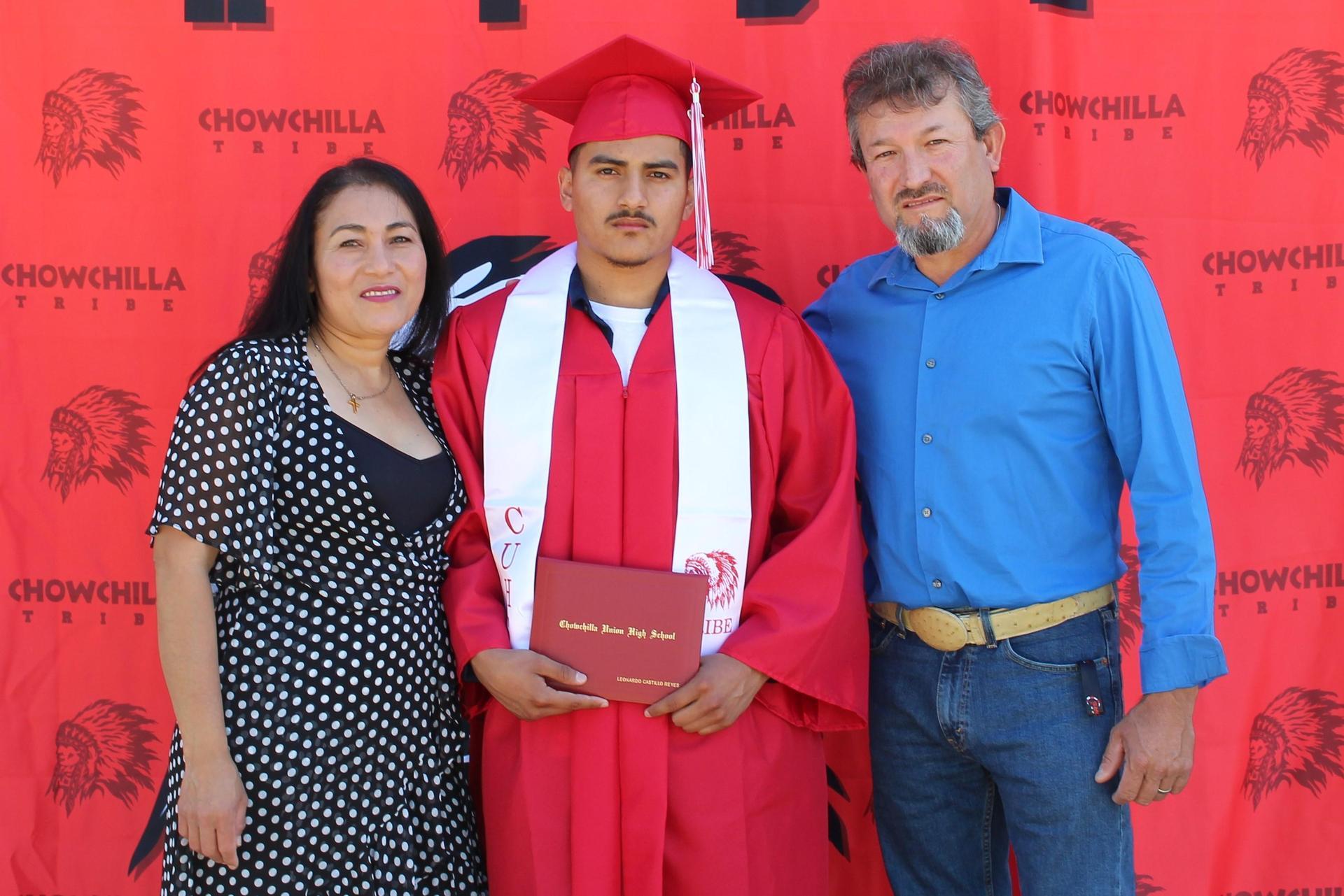 Leonardo Castillo Reyes and family