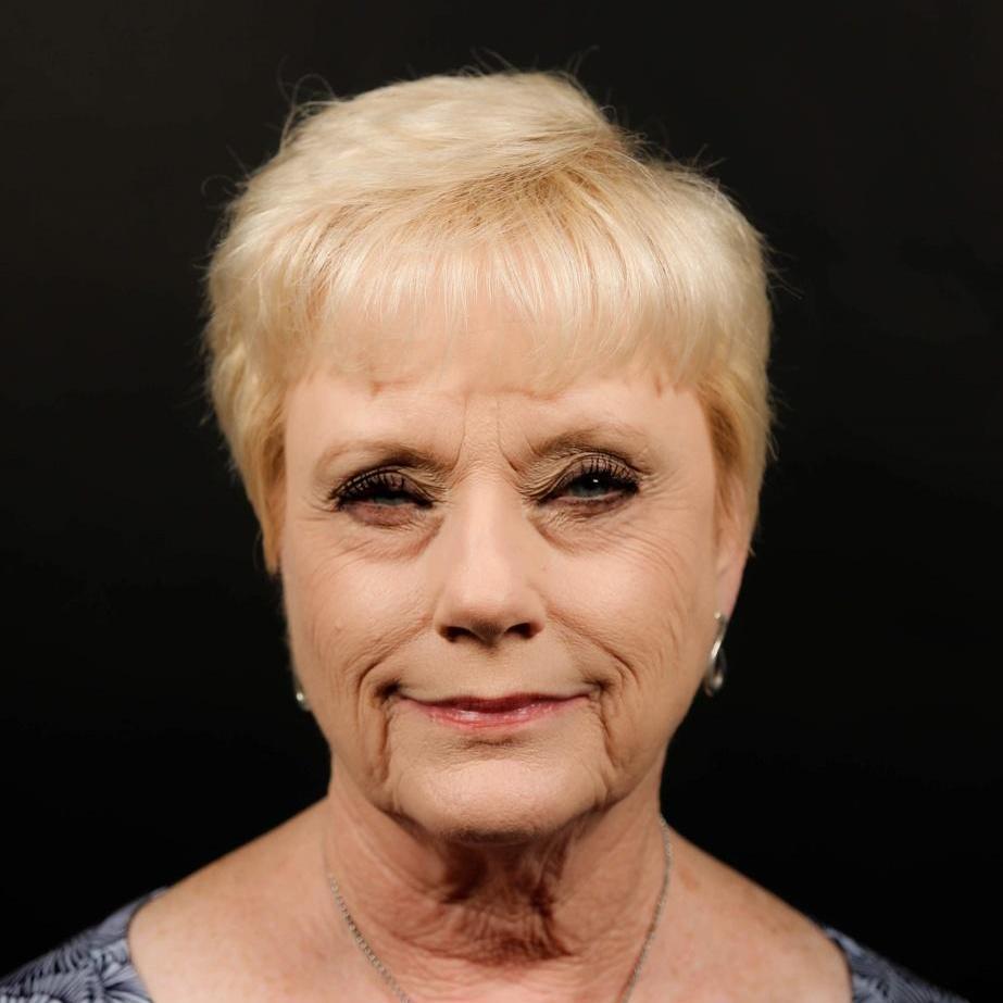 Jo Anne Bloomfield's Profile Photo