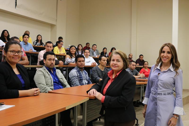 Inducción de los Estudiantes en la Maestría de Gerencia Informática y la Maestría Profesional en Docencia Superior Featured Photo