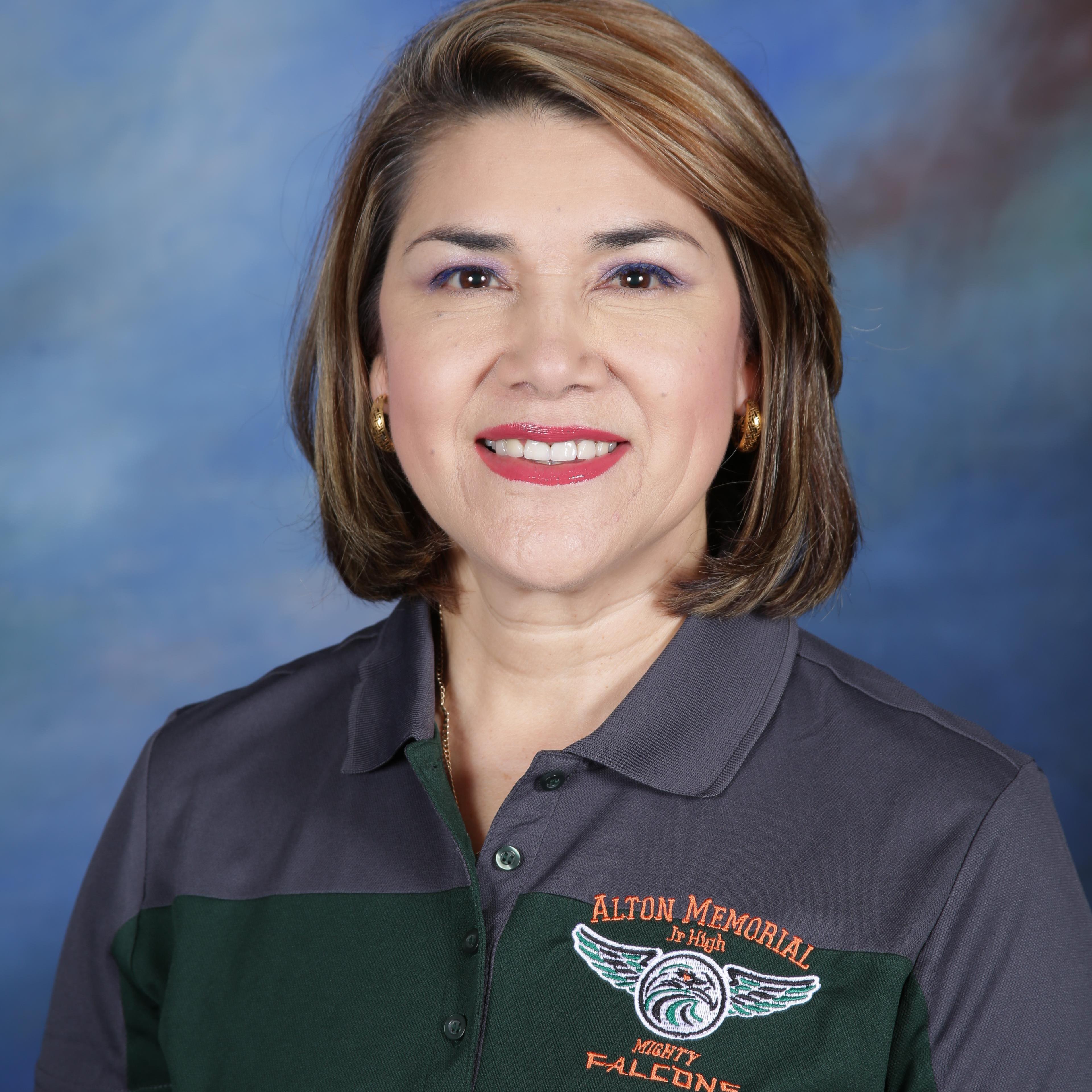 Martha Pineda's Profile Photo